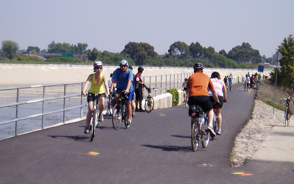 LA-River-bike-path